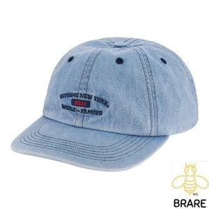 6-Panel hat with self strap Supreme World Famous